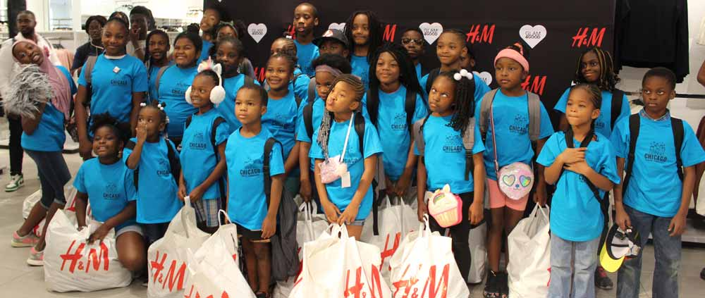 H&M volunteers